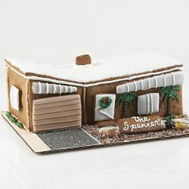 Redenvelopemoderngingerbreadhouse